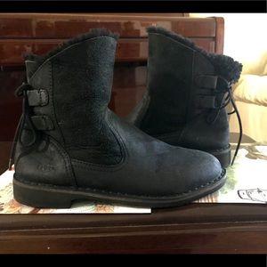 UGG Naiyah Black leather boots